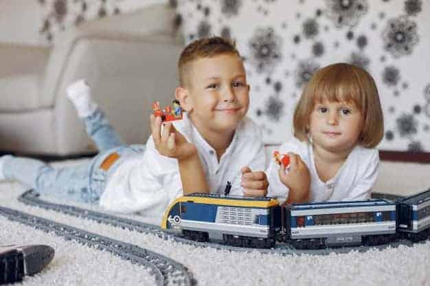 משטח פעילות או שטיח - מה עדיף לחדרי ילדים?